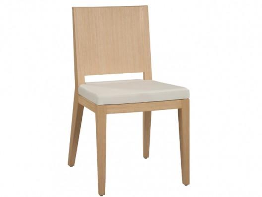 Ahşap sandalyeler