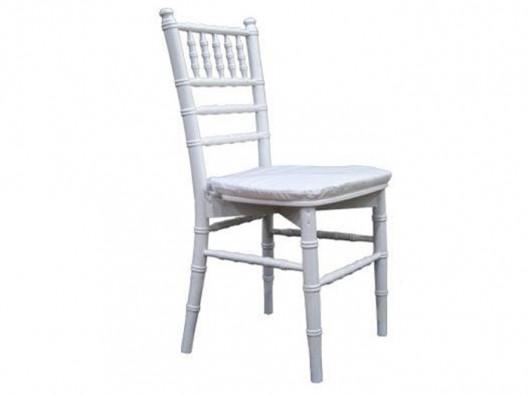 Plastik tiffany sandalye