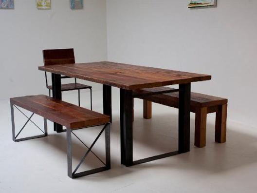 Doğal ahşap masa