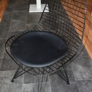 Tel sandalyeler