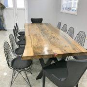 Doğal masif toplantı masası